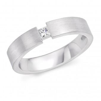 Platinum 4mm Evelina diamond wedding ring 0.08cts
