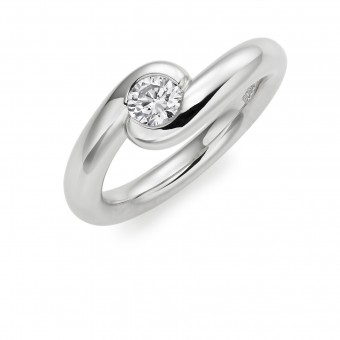 Platinum Embrace round cut diamond ring