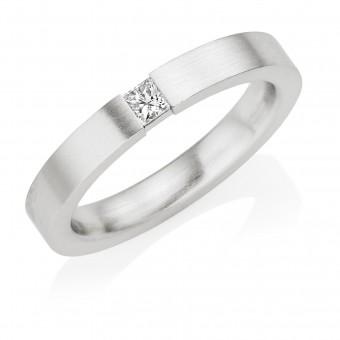 Platinum 3mm Fiammetta diamond wedding ring 0.10cts