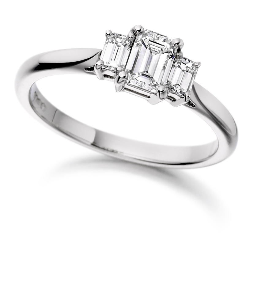 Engagement Rings in Hatton Garden: Choosing the Right Size